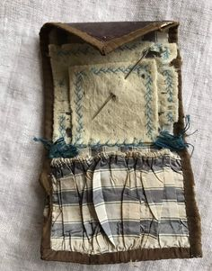 Your place to buy and sell all things handmade Vintage Sewing Notions, Vintage Sewing Machines, Sewing Spaces, Sewing Rooms, Sewing Pockets, Feather Stitch, Embroidery Tools, Stitch Book, Antique Clothing