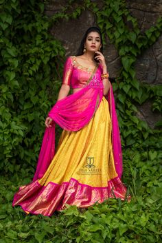 hi zombie makeup ideas easy - Makeup Ideas Lehenga Choli Designs, Pattu Saree Blouse Designs, Bridal Blouse Designs, Half Saree Lehenga, Lehnga Dress, Bridal Lehenga Choli, Zombie Make Up, Indian Dresses, Indian Outfits