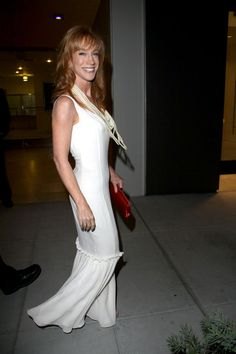 Kathy Griffin Photos Photos - Self-confessed d-lister Kathy Griffin looks pale and interesting as she attends a pre-Emmy's party at Spago. - Kathy Griffin at a Pre-Emmy Party at Spago Lee Strasberg, Kathy Griffin, Beverly Wilshire, Moving To Los Angeles, Film Institute, The Beverly, American Actress, Comedians, Redheads