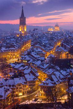 Bern, BE, Altstadt, Nacht, Winter, Kanton Bern, Stadt, Weihnachten, Advent, Uebersicht, Schnee, Schweiz, Stadtansicht, Sonnenunt