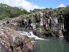 El Valle del Lunarejo es un parque natural del regional norte de Uruguay. Está localizado en Rivera, a 70 kilómetros de la capital departamental y a pocos kilómetros de la ciudad de Tranqueras. Es ...