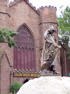 Salem, Massachusettes: Witch Museum...such a cool, yet scary place