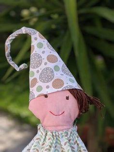 Billepiz - Ein Wichtel bringt Glück in Haus und Garten. Nach einem kostenlosen Schnittmuster von Buttinette.