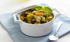 Clams, Corn and Squash Stew. Try this unique and flavourful stew for dinner! #healthyrecipes #dinnerrecipes #seafood #clamrecipes   http://www.oceanbrands.com/healthy-recipes/clams-corn-and-squash-stew