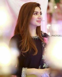 Pakistani Girl, Pakistani Wedding Dresses, Pakistani Dress Design, Pakistani Outfits, Pakistani Bridal, Indian Outfits, Indian Celebrities, Bollywood Celebrities, Beautiful Celebrities