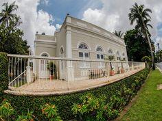 """No domingo, dia 12, o Blog Eu Curto Recife promove a segunda edição do projeto """"Saída Fotográfica"""", a partir das 8h. O ponto de encontro é a Praça de Casa Forte. A entrada é um quilo de alimento não-perecível ou R$5."""