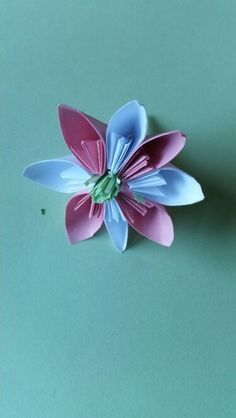 Papir blomst.  Paper flower Paper Cutting, Paper Flowers, Homemade, Floral, Jewelry, Jewlery, Home Made, Jewerly, Flowers