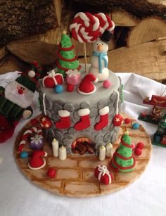 Cute Christmas Cakes   25+ best ideas about Christmas Cake Designs on Pinterest ...