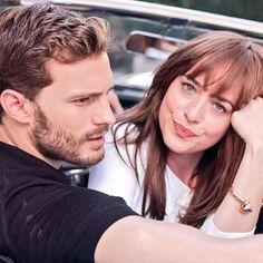 Photoshoot oficial de promoción para la película 50 Sombras de Grey de Dakota Johnson y Jamie Dornan. Este post pertenece a la web Si lo estás leyendo en otra ubicación es porque el contenido está…