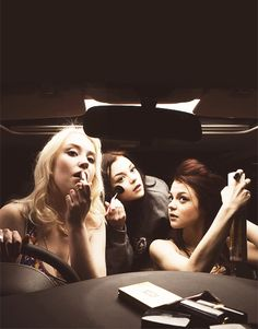 Lily Loveless, Kathryn Prescott and Megan Prescott (Skins) Story Inspiration, Writing Inspiration, Character Inspiration, Best Tv Shows, Favorite Tv Shows, Movies And Tv Shows, Favorite Things, Skins Generation 2, Lily Loveless