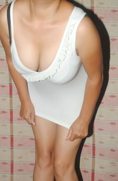 Downblouse Cleavage | Real Life Fun Only..: HQ Indian girl Cleavage Show downblouse