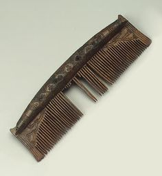 Comb Horn; carved. L. 11.8 cm; width 3.4 cm Culture of Ancient Rus. 10th century Earthen Settlement (excavations by V. I. Ravdonikas), Staraya Ladoga, Leningrad Region Russia Source of Entry:   Institute of the History of Material Culture, Leningrad (discovered by the Staraya Ladoga expedition). 1952