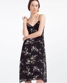 ROBE À FLEURS EN DENTELLE  Zara