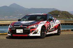 新型スポーツカー「トヨタ86」が、全日本ラリー選手権に参戦。その様子を写真で紹介する。