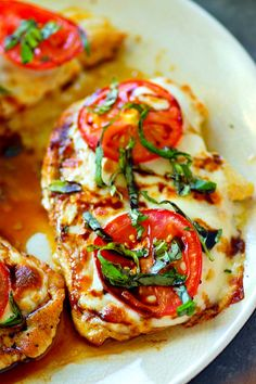 Everything you love about classic margherita pizza is piled on top of this juicy margherita grilled chicken and it's all drizzled with a killer balsamic glaze! Healthy Chicken Recipes, Keto Recipes, Dinner Recipes, Cooking Recipes, Grill Recipes, Kraft Recipes, Margarita Chicken, My Favorite Food, Favorite Recipes