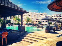 Vistas de nuestra fantástica piscina. ¿No te apetece un chapuzón? / Views of our fantastic pool. Do not you fancy a dip?