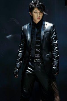 이즌기 Lee Jun Ki this sexy f'ing beast! Lee Jun Ki, Lee Joongi, Lee Min Ho, Korean Star, Korean Men, Asian Men, Asian Actors, Korean Actors, Park Hae Jin