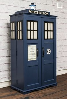 Any Dr. Who fans in your house? This is how I transformed an ugly DVD cabinet in a cute Tardis Bookcase, Media Storage and, of course, Time Machine! [media_id:3…
