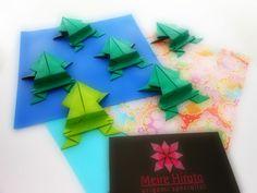Frog Origami designed by traditional   meirehirata.com Follow me on Instagram: Meire Hirata Origami