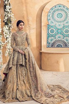 "Pakistani fashion on Pakistani fashion ""Zara Peerzada in a breathtaking ensemble from Suffuse by Sana Yasir… "" Asian Bridal Dresses, Asian Wedding Dress, Pakistani Wedding Outfits, Pakistani Bridal Dresses, Pakistani Wedding Dresses, Bridal Outfits, Indian Outfits, Pakistani Bridal Couture, Pakistani Clothing"