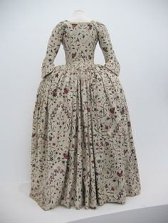 Robe à l'anglaise made of chintz, c. 1780. Collection Centraal Museum, Utrecht, The Netherlands. Inv. no. 8919. Copyright: Centraal Museum.