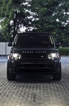 iriddell: Range Rover Source by nihalbs Range Rover Sport, Range Rovers, Range Rover Black, Range Rover Preto, My Dream Car, Dream Cars, Carros Audi, Lux Cars, Car Goals