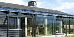Dristig bruk av glass i fjellet Modern Architecture, Oslo, Glass, Outdoor Decor, Home Decor, Homes, Inspiration, Home, Homemade Home Decor