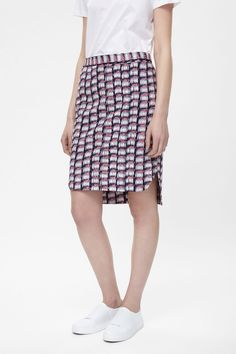 http://www.cosstores.com/at/Women/Skirts/Crinkled_pencil_skirt/7086-40953485.1