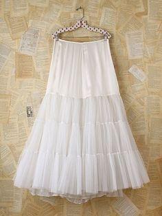 Vintage White Tulle Maxi Skirt. http://www.freepeople.com/vintage-loves-black-sheep/vintage-white-tulle-maxi-skirt-26993071/