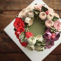 가을의 시작인데, 벌써 가는게 아쉬워요  #플라워케이크클래스 #flowercakeclass #flowercake #florist #플라워케이크…
