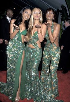 Pin for Later: The 50 Most Iconic Grammys Outfits of All Time Iconic Grammys Style The ladies of Destiny's Child shone in a multitude of green lace and sequins in 2001.