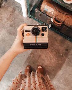 Bring a polariod camera with me on my adventures 😊 Poloroid Camera, Polaroid Instax, Retro Aesthetic, Aesthetic Photo, Aesthetic Pictures, Cute Suitcases, Polaroid Pictures, Polaroids, Mini 8