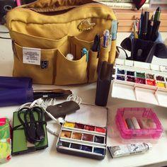 Prepping for the Urban Sketching Symposium in Chicago - m.Swinghammer Art & Illustration My kit for Chicago. Moleskine, Watercolor Kit, Artist Aesthetic, Art Bag, Doodles, Urban Sketching, Kids Swimming, Art Studios, Art Supplies