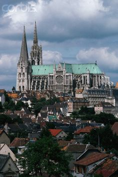 Chartres Cathedral in France. The Cathedrals floor is inlaid with perhaps the most famous labyrinth in the world. Sacred Architecture, Church Architecture, Religious Architecture, Cathedral Basilica, Cathedral Church, Gothic Cathedral, La Salette, Ville France, Temples