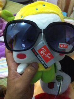 Ray ban sunglasses outlet. Real photo
