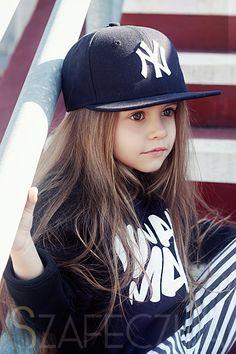 Black ... and white bunny »szafeczka.com - blog parentingowy - children's fashion