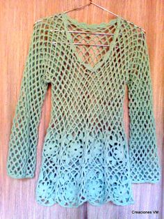 Hoy les quiero mostrar esta remera que hice con hilo fino de algodón usado doble y agujas nº 4.         Lamentablemente no se aprecia bien e... Crochet Stitches, Crochet Patterns, Crochet Bikini, Knit Crochet, Crochet Cardigan, Crochet Clothes, Knitting, Google, Clothing