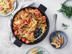 Lohta ja pastaa | Valio Penne, Pasta, 20 Min, Mozzarella, Quiche, Breakfast, Recipes, Food, Morning Coffee