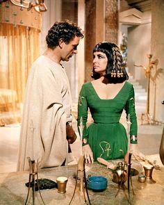 Elizabeth Taylor Cleopatra $1 Million   ... . Elizabeth Taylor in a promotional photo for CLEOPATRA (1963