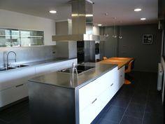 Santos Kitchen, Studi Dimont.