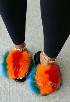 Beautiful Sandals, Cute Sandals, Cute Winter Shoes, Summer Shoes, Fluffy Shoes, Fluffy Sandals, Cute Slides, Hype Shoes, Fresh Shoes