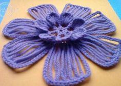 Diy Crochet Flowers, Crochet Diy, Crochet Flower Tutorial, Crochet Motifs, Unique Crochet, Crochet Flower Patterns, Crochet Chart, Irish Crochet, Poncho Au Crochet