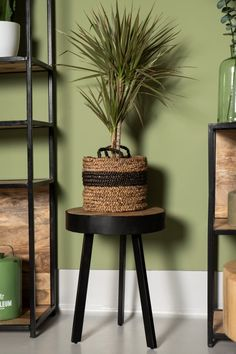 Store your stuff neatly in these nice storage baskets by HSM Collection. The baskets have a natural look and are hand-woven from water hyacinth. Perfect to put down in the living room or bedroom. The size of the large basket is cm and the small basket is Water Hyacinth, Large Baskets, Natural Looks, Storage Baskets, Hand Weaving, Planter Pots, Living Room, Bedroom, Random