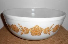 Vintage Bowl, Pyrex, Gold Butterfly, Nesting Bowl, Large,  Mixing Bowl, Pyrex Bowl, Glass Bowl, 4 Quart, #404 by TheBackShak on Etsy
