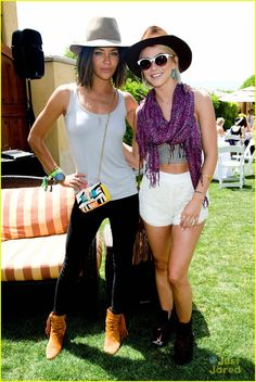 julianne hough jessica szohr jj brunch 02