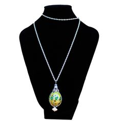 Collares huevos de codorniz, unas auténticas joyas realizadas a mano.El procesado le confiere el peso y la resistencia optimas para su uso.Nartartesania