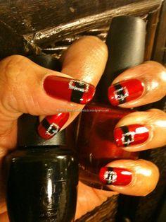 red and black belt christmas nail art Cute Christmas Nails, Xmas Nails, Halloween Nails, Diy Nails, Cute Nails, Pretty Nails, Christmas Manicure, Santa Christmas, Beauty Nails