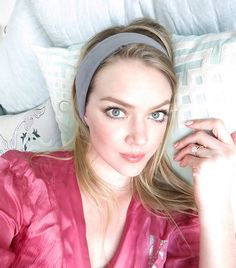 8bfae367e78 Want to know what a supermodel does to fall (and stay) asleep at night   Keep reading for Lindsay Ellingson s foolproof methods for better beauty  sleep.
