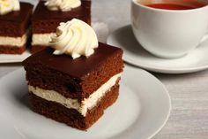 Popisowe ciasta, którymi zaimponujesz gościom. 10 sprawdzonych przepisów - Onet Gotowanie Pavlova, Nutella, Vanilla Cake, Tiramisu, Oreo, Cheesecake, Mini, Ethnic Recipes, Food