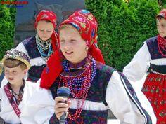 région d' Oashului ( județ de Satu Mare) West Plains, Folklore, Faces, Europe, Fashion, Moda, Fashion Styles, The Face, Fashion Illustrations